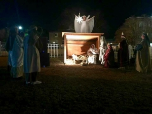 Members of Hamlet's First Baptist Church will present a live Nativity scene Friday night.