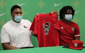 Jaleel Davis (left) and Jakolbe Baldwin both signed with N.C. State on Wednesday.