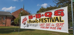 Barbecue mixes with music for 20th annual Holy Smoke festival