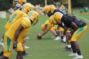 Richmond's special teams units line up during punt drills during Monday's practice.