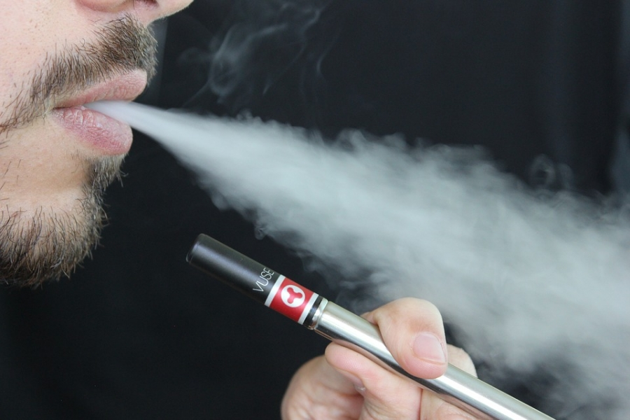 Flu, vaping illnesses difficult to distinguish and costly to treat
