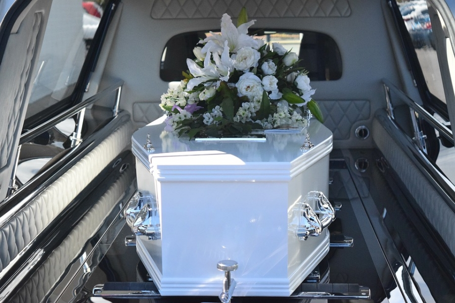 Funeral practice licensure bill heads to the governor's desk