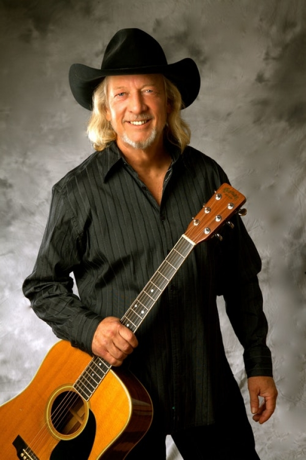 Country singer John Anderson will perform at Cole Auditorium on Friday.