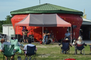 Local country cover band Dark Horse performs at the Berry Patch on Aug. 27.
